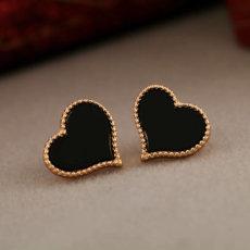 auskarai juodos širdelės