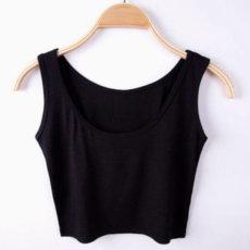 Seksualūs trumpi juodi moteriški marškinėliai be rankovių