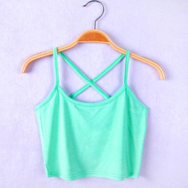 Seksualūs trumpi šviesiai žali moteriški marškinėliai sukryžiuotomis petnešėlėmis
